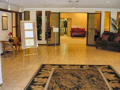 The entrance foyer is the welcoming area for our multiple state rooms and arrangement offices.